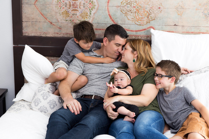 5 reasons why your family needs a lifestyle photography session