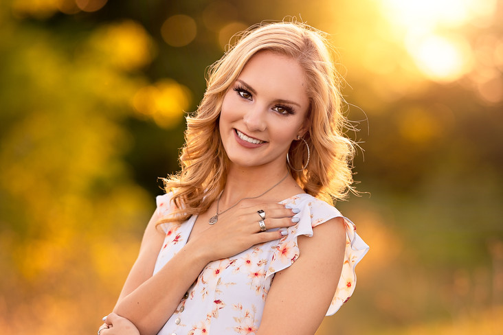 Senior Portraits at Adriatic Village in McKinney | Emeline