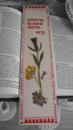 Virágszirom préselt virág könyvjelző