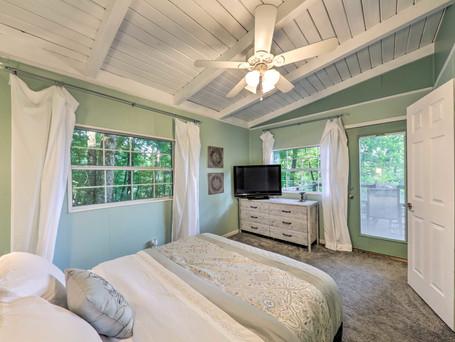 CottageBedroom.jpeg
