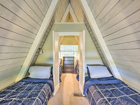 Cottage2ndBedroom.jpeg