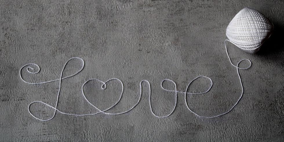 love-4082499_1920_edited.jpg