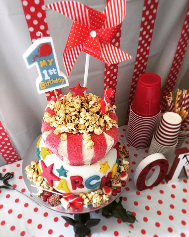 Circus themed cake, for a circus themed party...