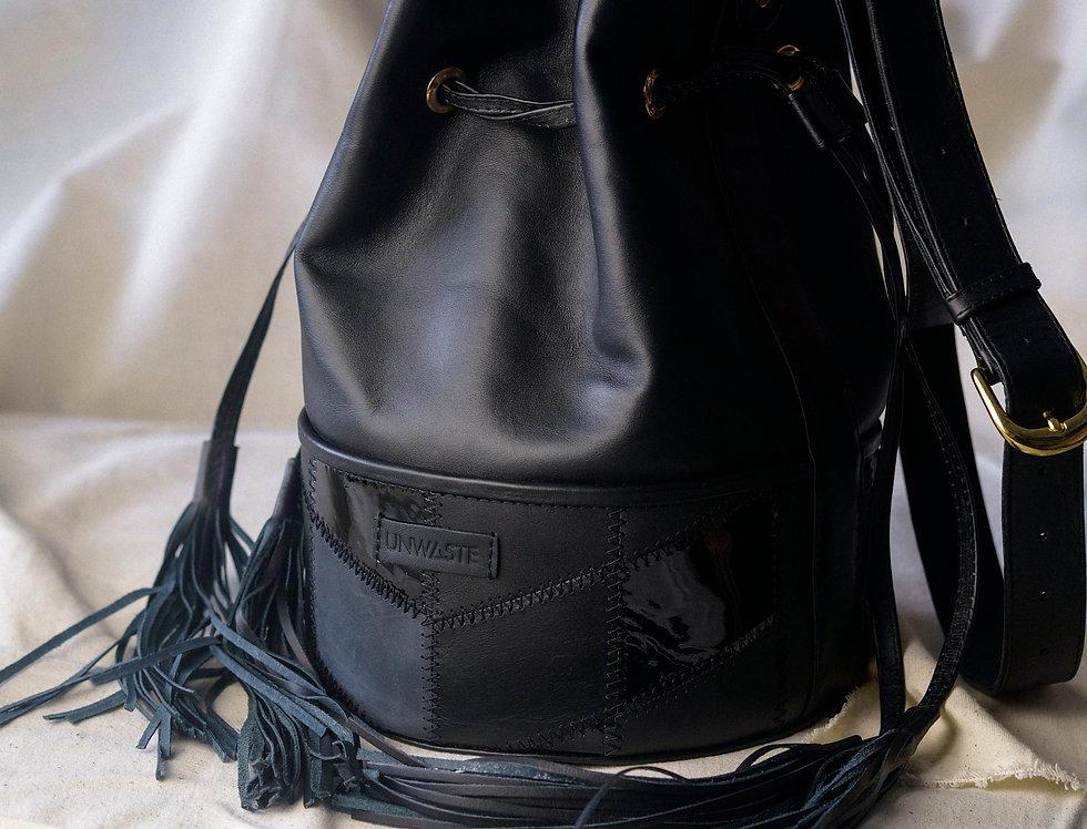 Bolsa Bucket de Piel Negra