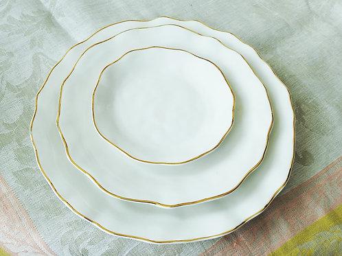 Plato para comer, ensalada o postre, pan