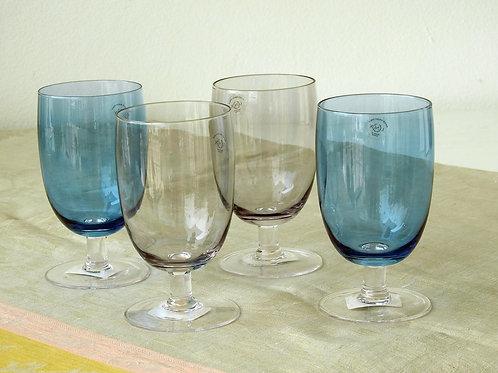 Copas de vidrio en azul y negro transparente