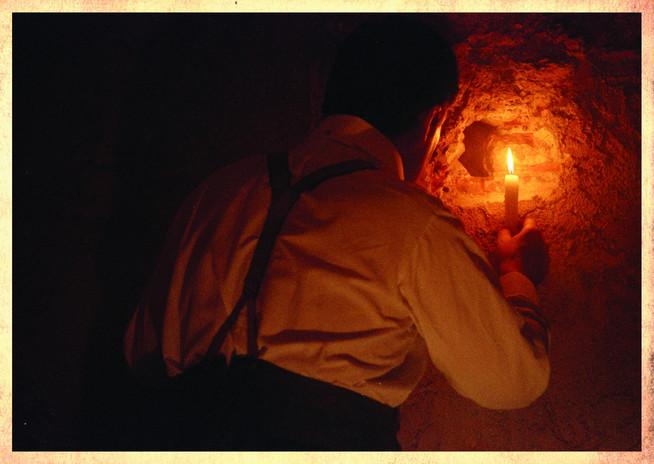 TOMB OF TUTANKHAMUN (Tutankhamun Exhibition)