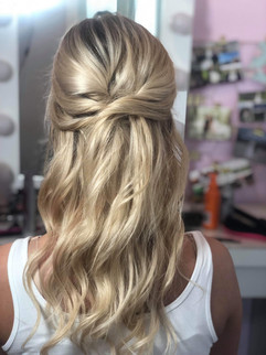 Half updo hairstyle