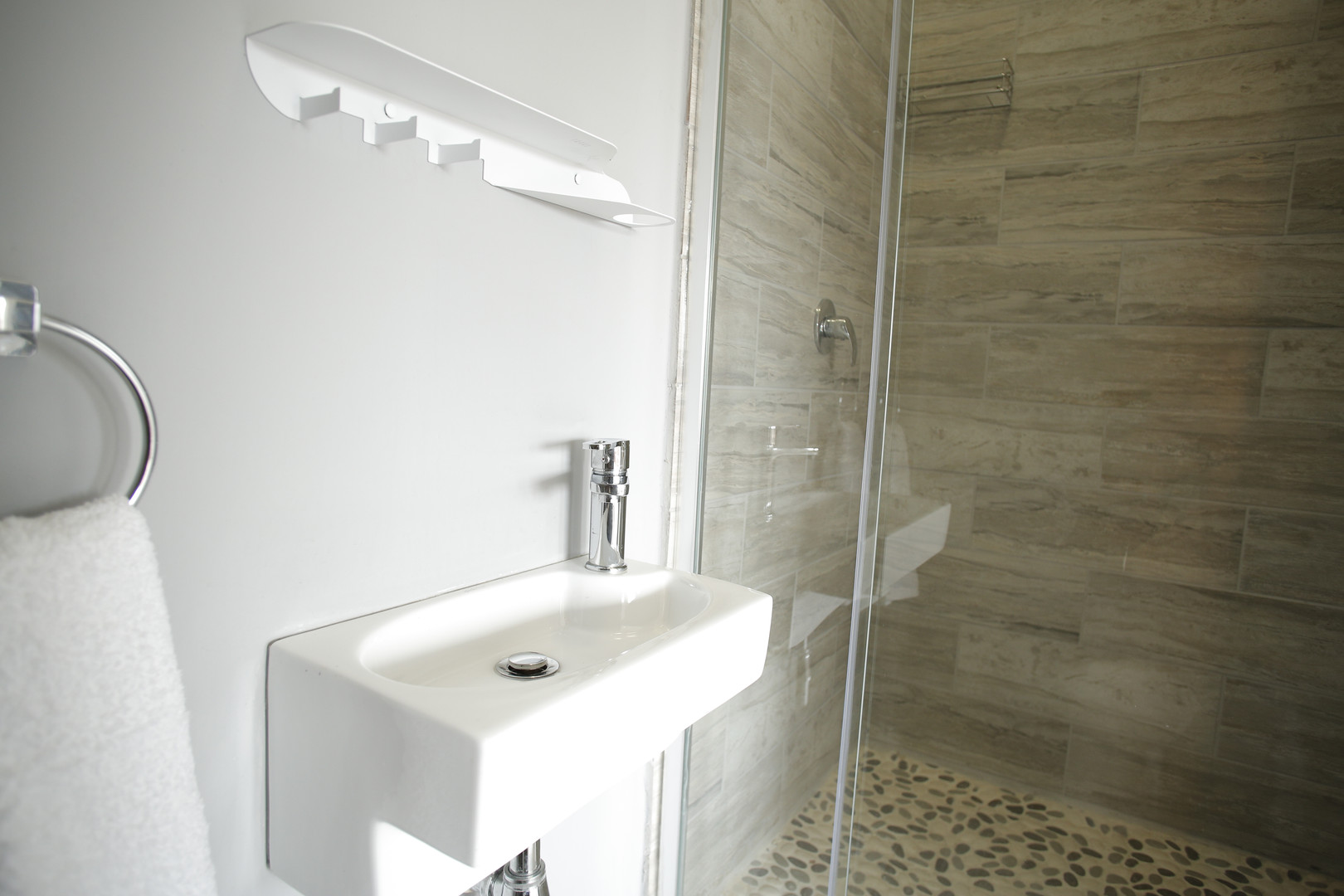 Bathroom_bunk room.JPG