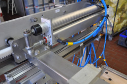 Positioning cylinders & pusher unit