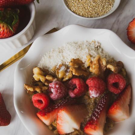 Creamy Quinoa Vanilla Almond Porridge (vegan)