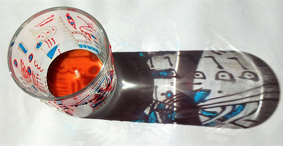 Tea light holder with candle
