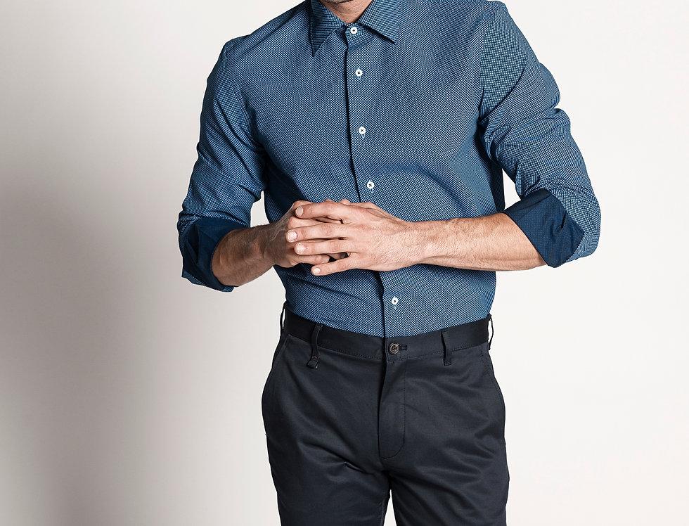 Camisa popelín azul marino con estampado en cruces azules. Edición limitada.