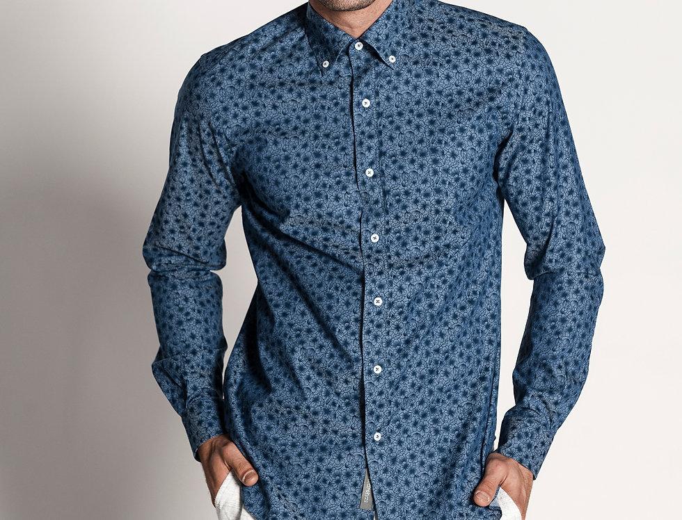 Camisa popelín azul marino con flores. Edición limitada.