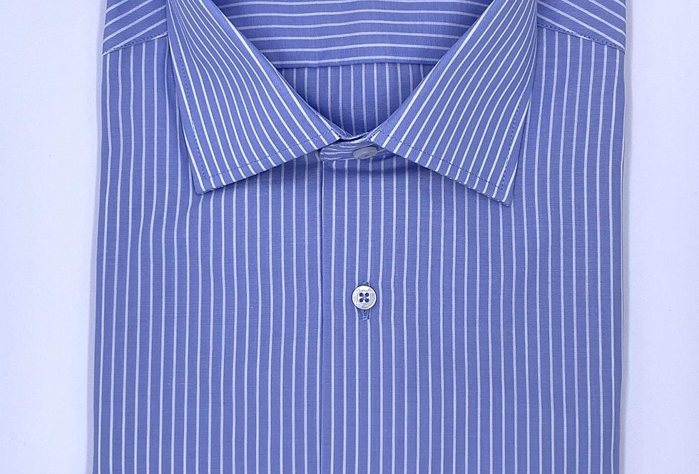 Camisa de vestir azul con rayas blancas