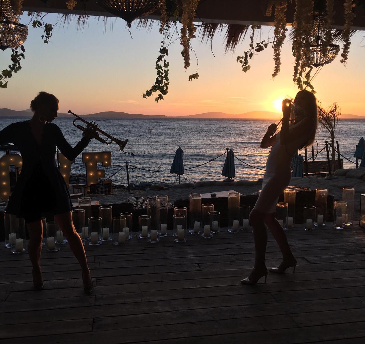 Entourage band at Hippe Fish Mykonos