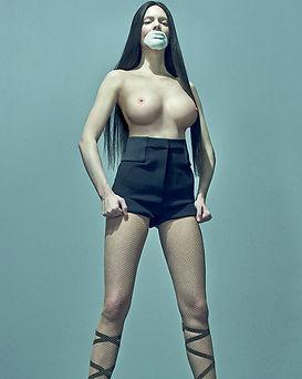Uncensored-Kendall-Jenner-For-Love-Magaz