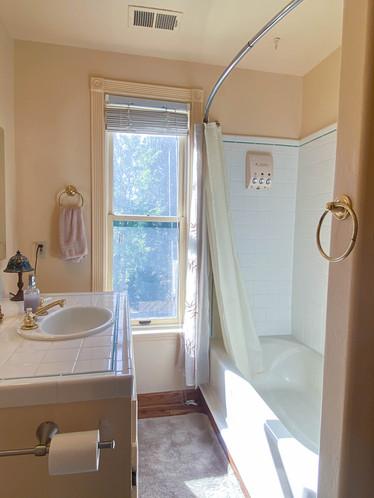 Twin Peaks Bathroom