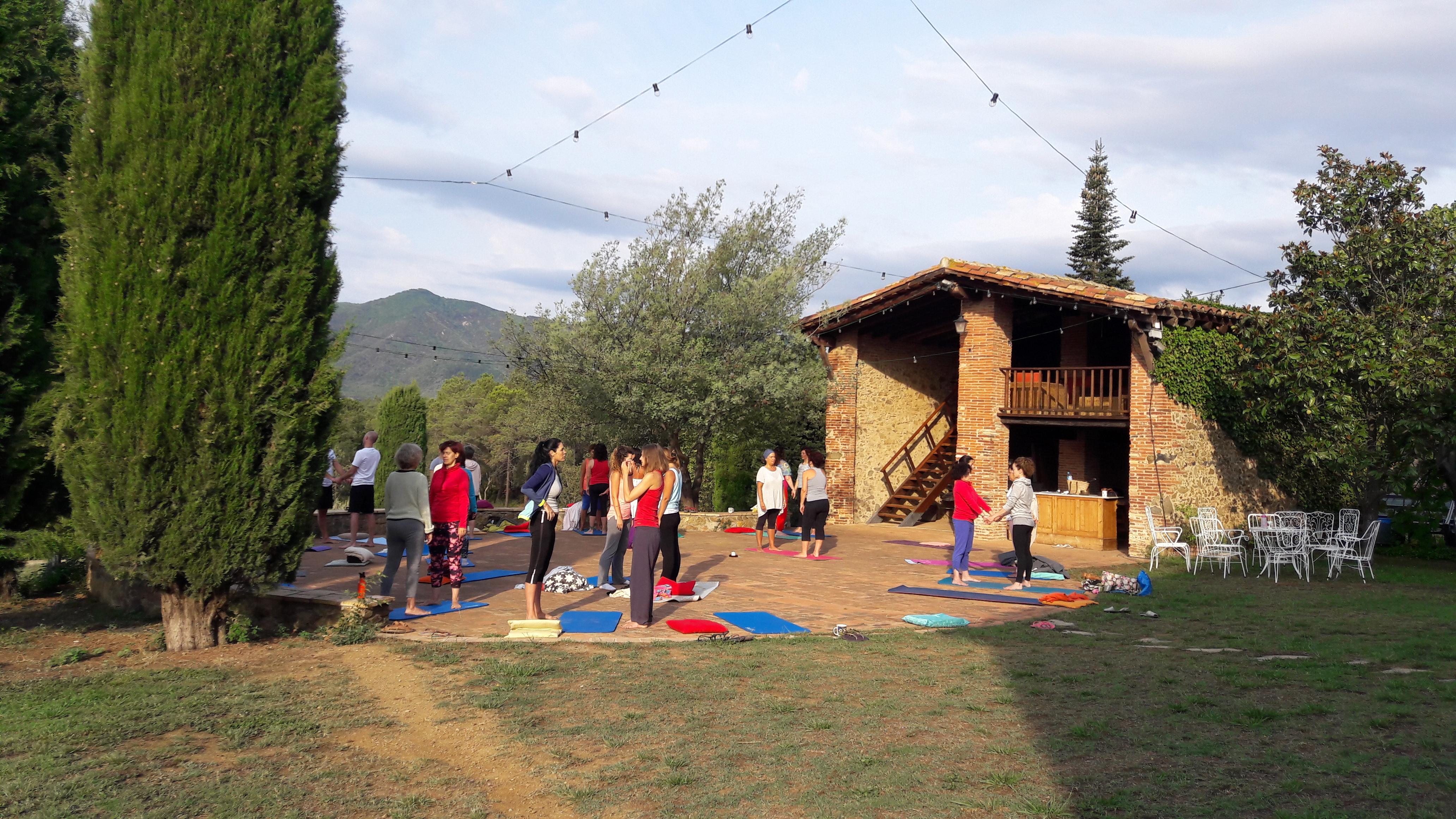vacaciones de yoga agosto