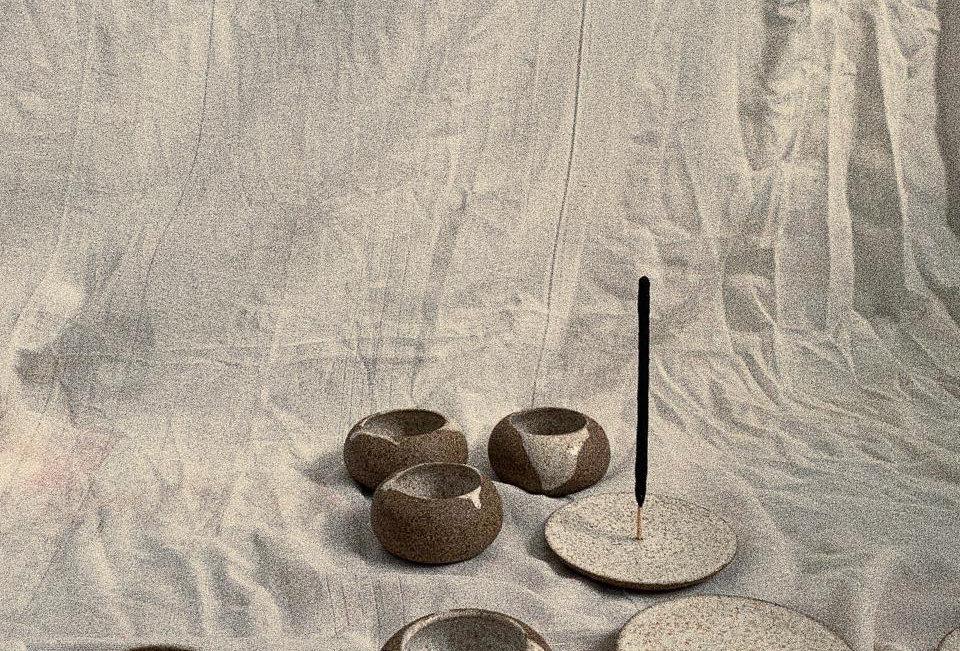 Cerâmicas para incenso em cone