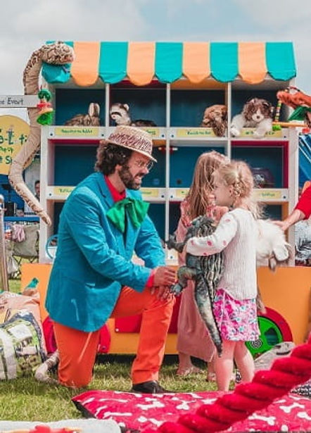 magician entertaining at children's birthday party venue