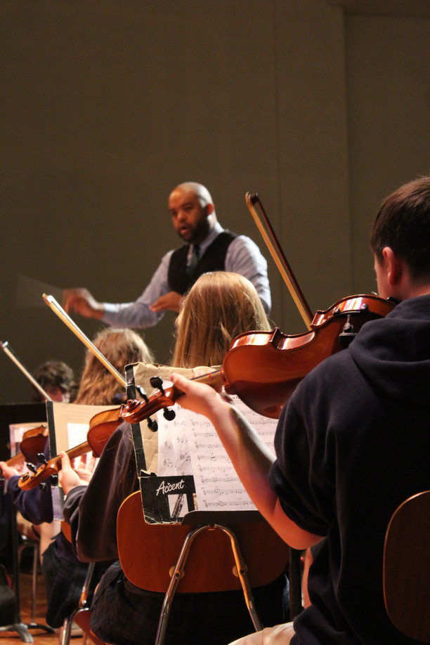 Composer Darryl Johnson Works with OA Orchestra