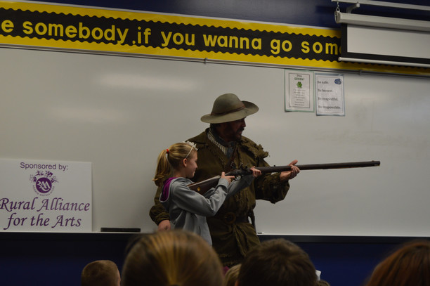 Kevin Stonerock returned to Batesville Intermediate School on Thursday, March 3 to visit with 4th gr