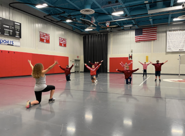 Choreographer Lizzy Moeller Russell visits St. Louis School