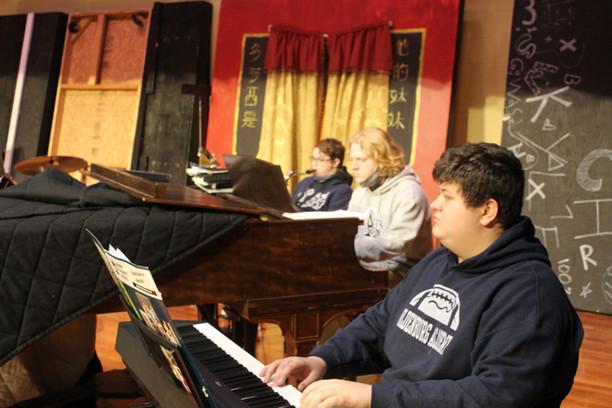 Jan Deihl visits OA Music Students