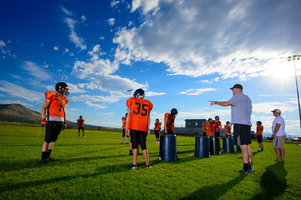 football-team-practices-beautiful-afternoon.jpg