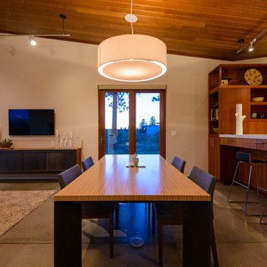 Contemporary Dining Area in Bend Oregon