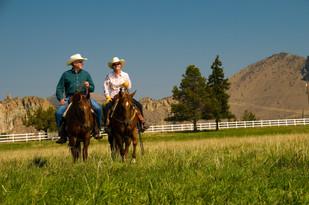 couple-on-horses.jpg