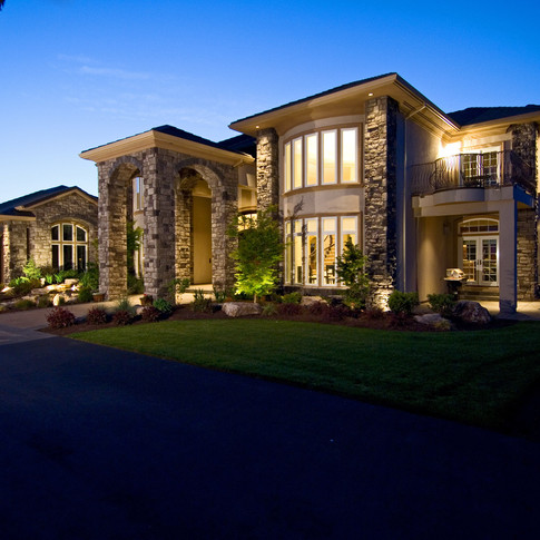 Estate Home at dusk by real estate photographer Timothy Park