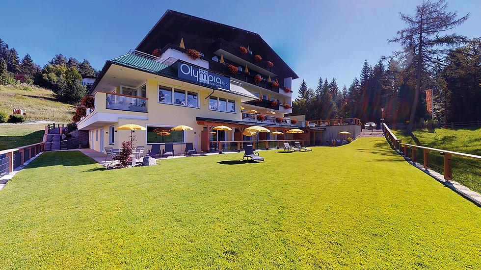 Startseite---Hotel-Olympia-Auenansicht-m