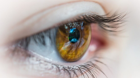 How Does Cataract Refractive Surgery Work?