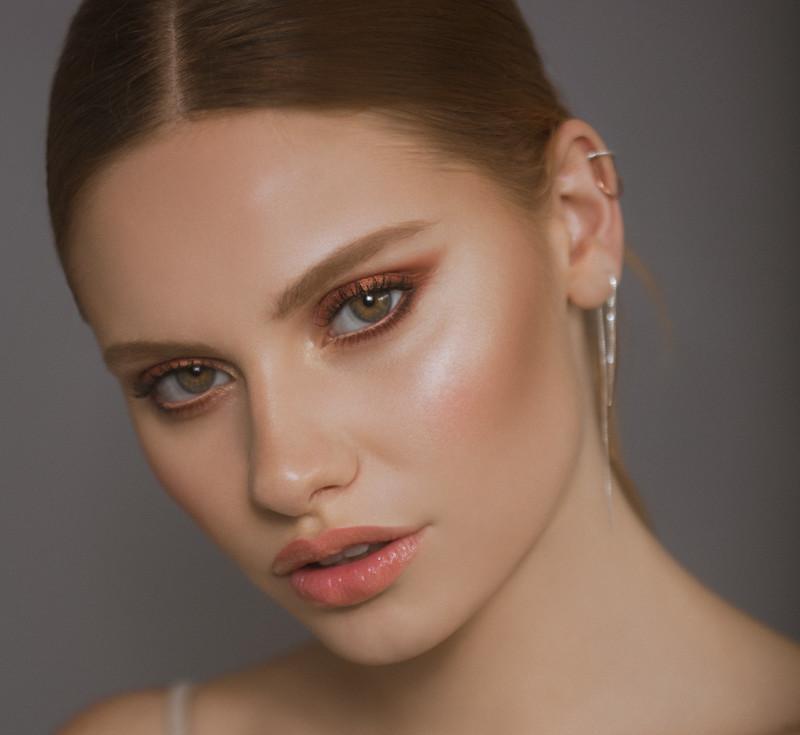 Photography: Carolina Osejo Model: Paula Pietrini Hair&Makeup:Alejandro Romero  EPIC BEAUTY PRO Bogotá/2018