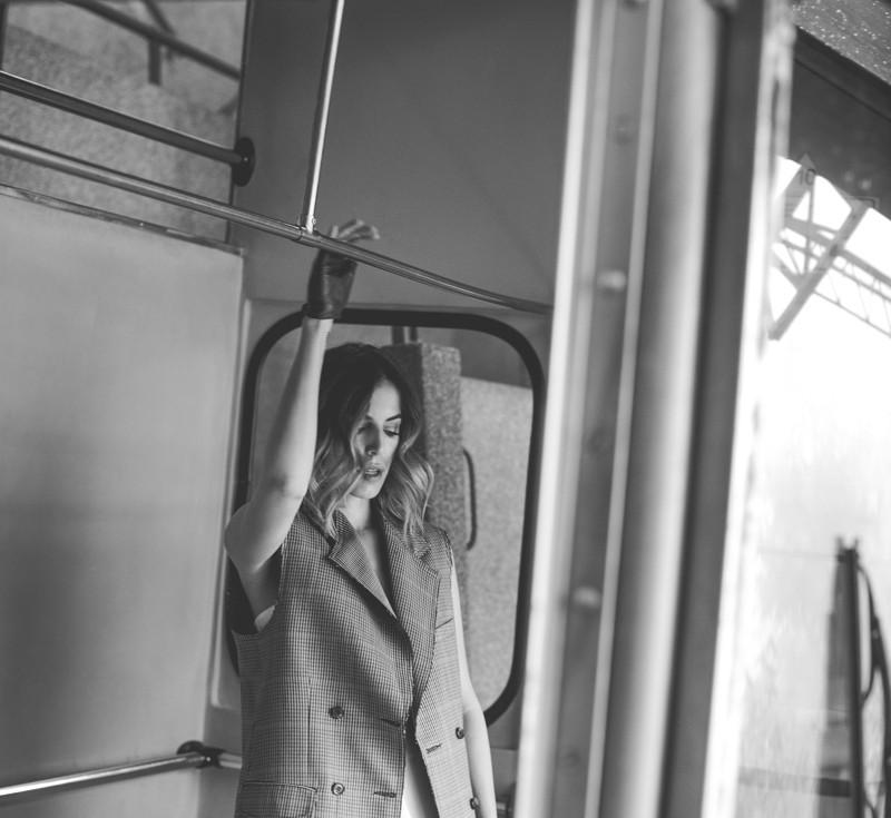 MONSERRATE FARIDE RAMOS BY CRISTINA WARNER  Photography: Carolina Osejo Model: Cristina Warner Hair&Makeup: Ellen Pavajeu Clothes: Faride Ramos  Bogotá/2018