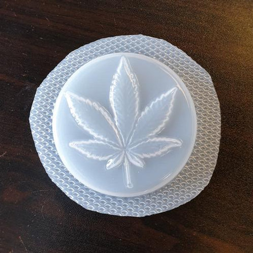 CANNABIS LEAF BATH BOMB MOULD