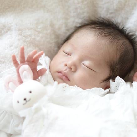 新生児の赤ちゃんは感情だけでは泣かない