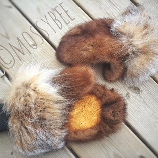 women's mink fur mitts with lynx fur trim and smoked moosehide leather palms