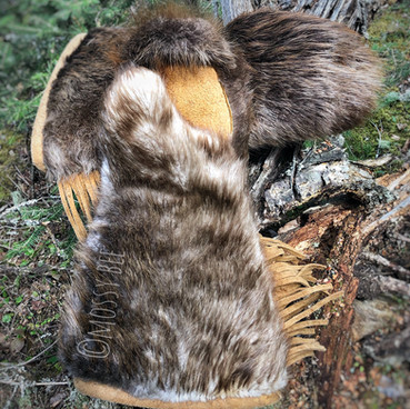 men's beaver fur gauntlets with smoked moose hide leather trim and palms