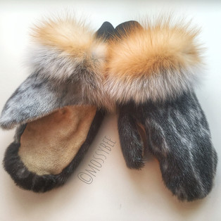 women's seal fur mitts with red fox fur trim and vegetable tanned split bison leather palms