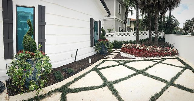 We like to make things pretty 🤵🏻 #theturftailors #landscapephotography #landscaping #destin #turft