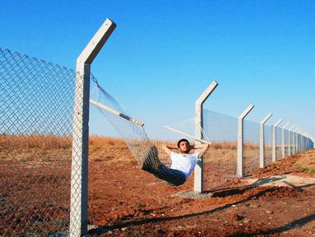 Curiosités - Frontières: Duas curiosidades sobre fronteiras de países francófonos