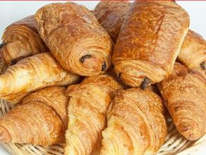 Oficina: Les viennoiseries françaises: croissant et pain au chocolat