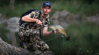 Mark Middendorf with a gorge country Murray cod