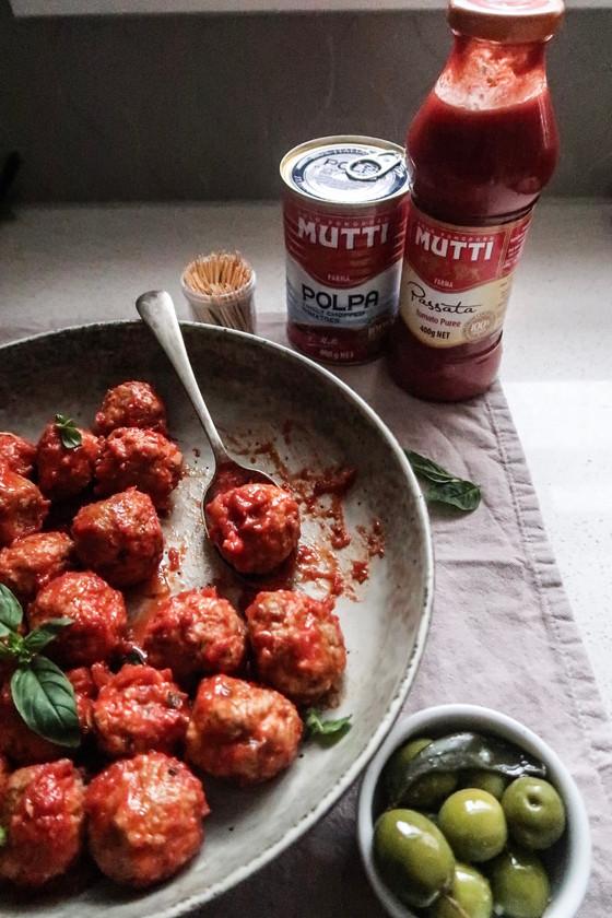 Saucy Italian Meatballs