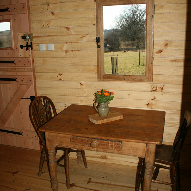 Dining table Cerise Cabin.jpg