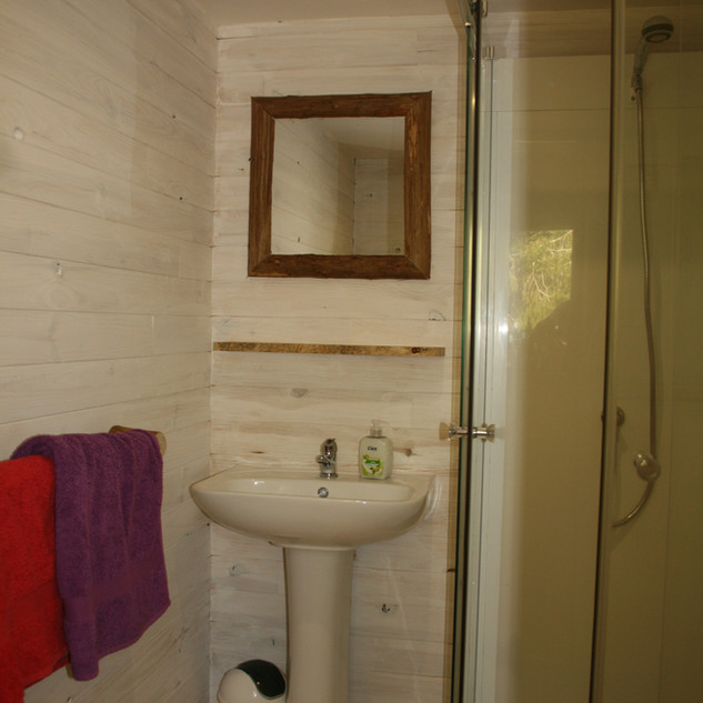 Bathroom Cerise Cabin.jpg