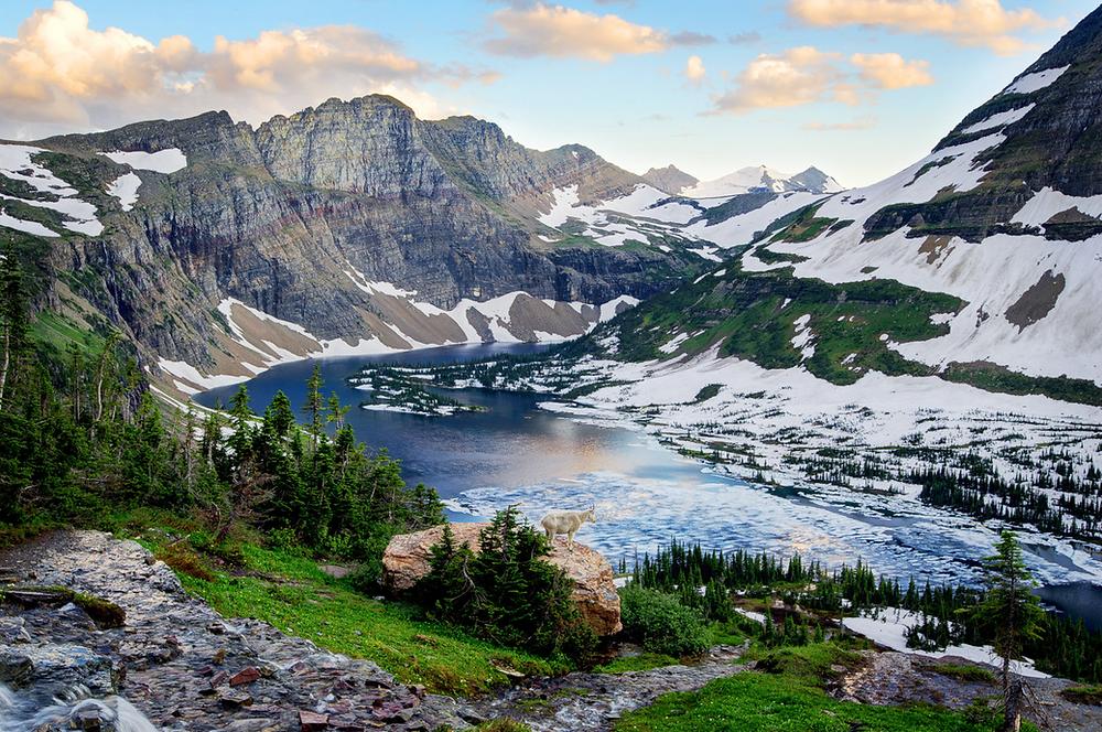 Inspiring vistas of Hidden Lake in Glacier. Image ©Bernard Chen